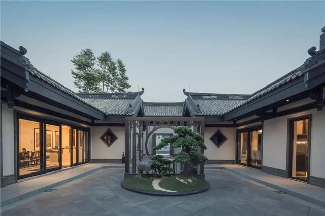 """土豪砸下5亿,打造第一园林别墅,被誉为""""旷世奇宅"""""""